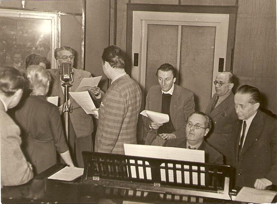 Kemény Egon a Magyar Rádióban, 112. születésnapi évfordulóján, a